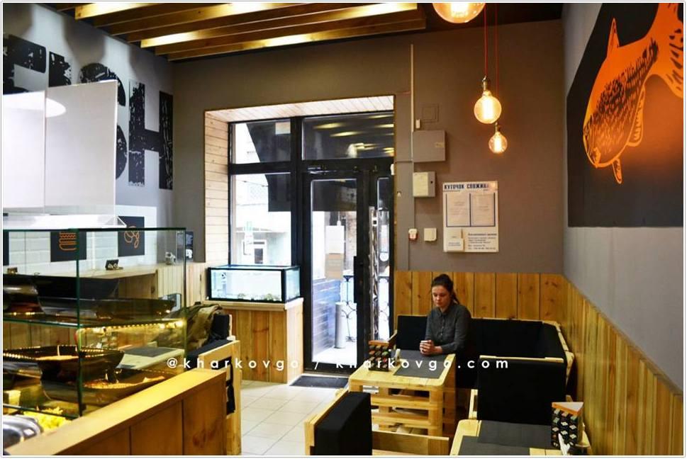 Торговый аквариум для продажи устриц в кафе Дон Марэ
