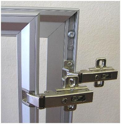 Петли для дверей : стекло в алюминиевом профиле