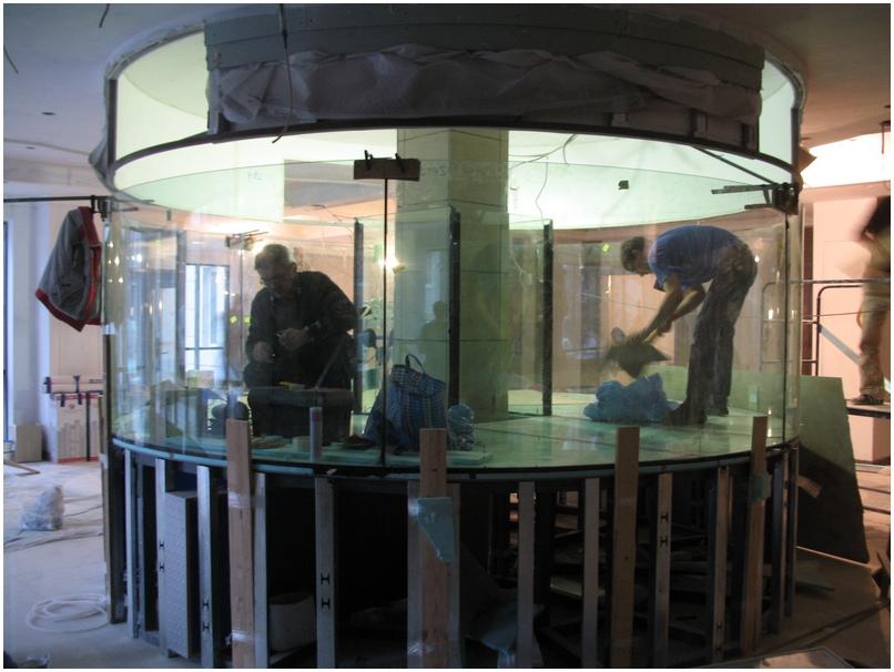 Купить аквариум в Харькове. Заказать аквариум в Харькове. Цилиндр диаметром 4м. Аквариум-цилиндр объемом 12 тонн. Аквариумы на заказ. Аквариумы с гнутыми стеклами. Аквариум купить. Цены на аквариумы. Изготовить аквариум
