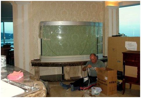 Купить аквариум в Харькове. Заказать аквариум в Харькове. Аквариум с передним гнутым стеклом в Ялте. Аквариумы на заказ. Аквариумы с гнутыми стеклами. Аквариум купить. Цены на аквариумы. Изготовить аквариум
